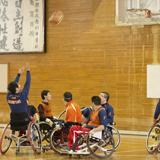地域の車椅子バスケット・チームをサポート