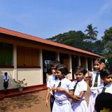 周年ごとに海外で学校建設  50周年はスリランカ