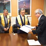 東京五輪担当相に日本ライオンズの支援を報告