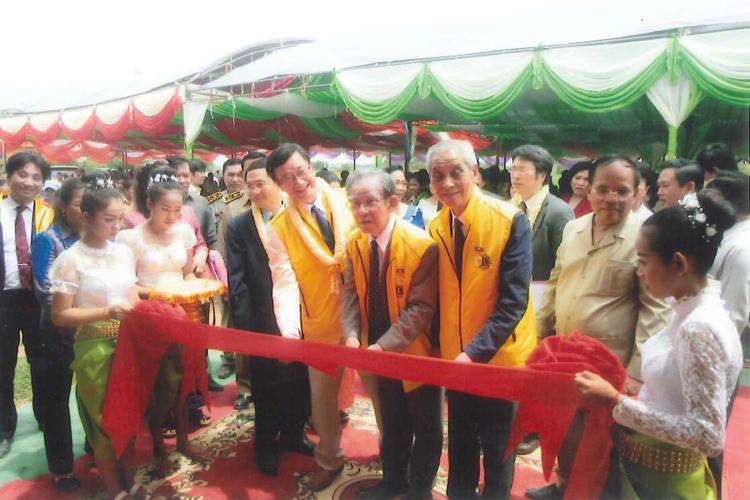 2年連続カンボジアに小学校寄贈