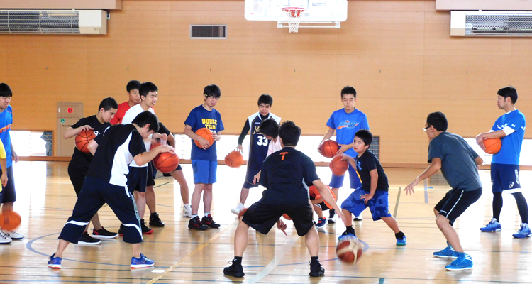 SOアスリートを プロバスケチームが指導
