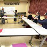手話への理解を広めようと34年継続する無料講習会