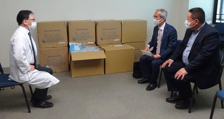 春日井市民病院に 医療用防護服セットを寄贈