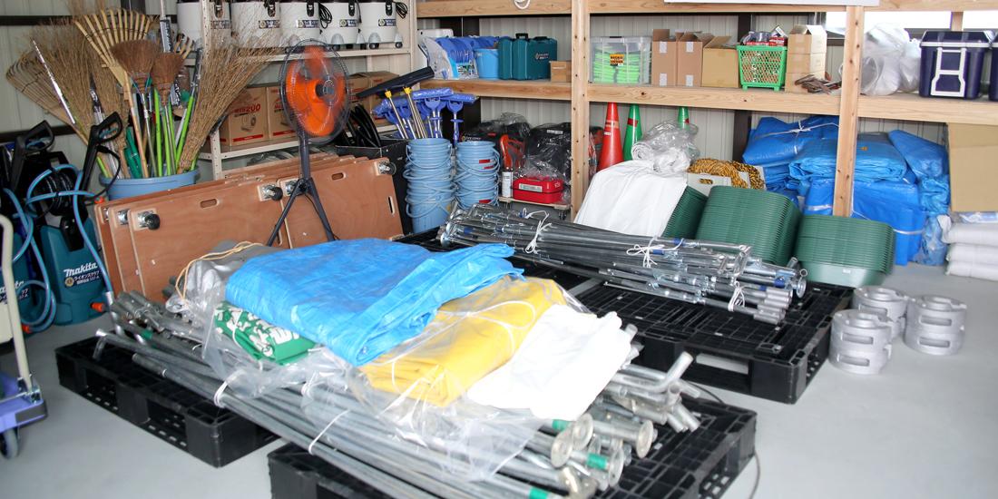 朝倉市の災害支援備蓄倉庫に資機材贈呈